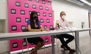 La coordinadora i el responsable del Niu, Marta Ambor i Miquel Gouarré, durant la roda de premsa d'aquest dilluns.