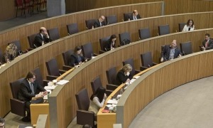 La sessió del Consell General de fa dos dissabtes, en què es va aprovar la segona llei de mesures urgents.