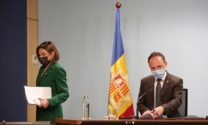 El cap de Govern, Xavier Espot, i la fins avui ministra de Turisme, Verònica Canals, han comparegut junts.