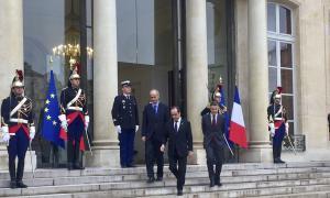 Hollande dóna suport a un acord que inclogui períodes transitoris