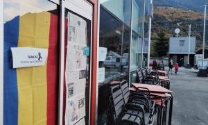 El bar-restaurant Bondia porta mesos tancat.