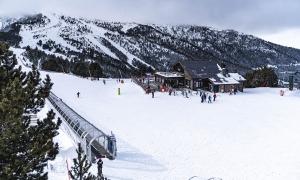 Esquiadors a les pistes de Vallnord-Pal Arinsal.