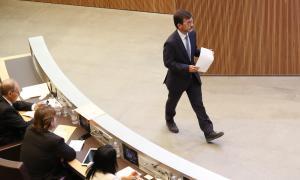 El ministre de Finances, Jordi Cinca, va defensar un text que homologa amb la UE la protecció de titulars de dipòsits i inversions.