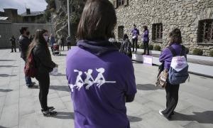 Un moment de l'acte organitzat per Acció Feminista amb motiu del Dia de la dona, aquest dilluns.