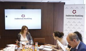 Els informes anuals d'Andorran Banking permeten constatar la pèrdua de llocs de treball del sector.
