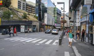 Aval dels comerciants i l'oposició als canvis a la part alta de Meritxell
