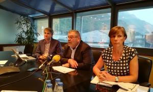 Jean-Michel Rascagneres acompanyat del director de Comunicació, David Caubet, i la directora, Joaquima Sol, ahir.