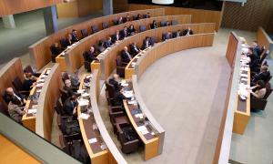 La proposta de reglament preveu més control dels diners dels grups