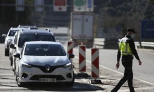 Controls a la frontera de la policia espanyola.