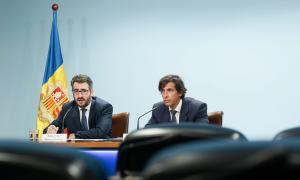 El ministre de Finances, Eric Jover, i el director general de l'AFA, Ramón López, en la compareixença d'ahir.