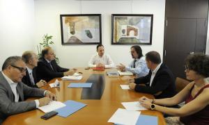 Els representants del grup parlamentari de Terceravia+UL+I en la reunió amb Espot i Riba pel pacte d'Estat amb la UE, ahir.