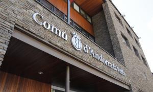 Els comuns destinen uns 11.000 € al mes a càrrecs de relació especial