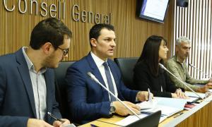 Un moment de la compareixença del ministre de Presidència, Economia i Empresa, Jordi Gallardo, davant la comissió d'Economia.