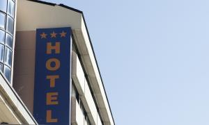 Els apartaments proposen fixar una taxa turística com als països veïns