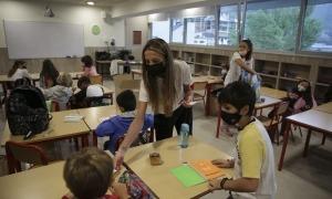 Les mascaretes deixaran d'estar presents a les aules, ja que el Govern permet assistir a classe sense.