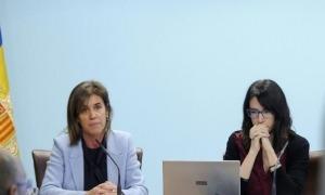 La ministra d'Educació, Ester Vilarrubla, i la directora de l'AQUA, Marta Fonolleda.