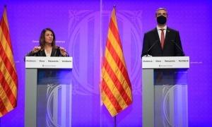 La consellera Meritxell Budó i el conseller Bernat Solé, en la roda de premsa del Govern català d'avui.