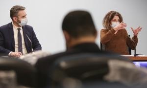 El ministre portaveu, Eric Jover, i la doctora Odile Sarroca, en la compareixença d'aquesta tarda.
