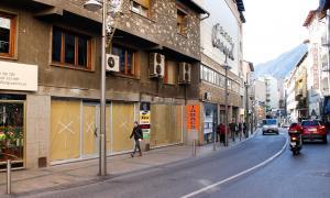 Hi ha una vintena de locals buits al centre històric, principalment al carrer Príncep Benlloch.