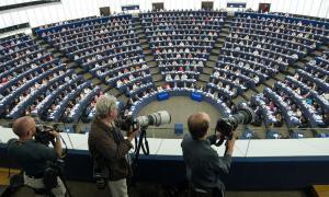 Un grup de parlamentaris europeus qüestiona el CDI d'Andorra i Espanya