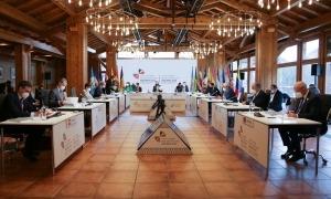 Un moment de la reunió plenària de la Cimera Iberoamericana de caps d'Estat i de Govern d'ahir a Soldeu.