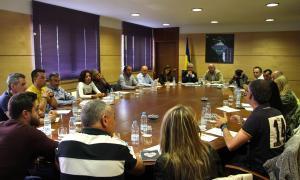 Turisme demanarà als turoperadors reforçar els acompanyants dels grups