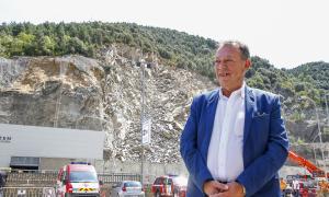 El cònsol major de Sant Julià de Lòria, Josep Miquel Vila, ahir a la zona on dissabte va tenir lloc l'esllavissada.