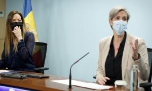 Helena Mas i Cristina Pérez durant la compareixença d'ahir al matí per fer balanç del SIAD.