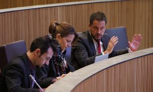El conseller del PS Pere López en una de les seves intervencions.