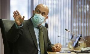 El ministre de Salut, Joan Martínez Benazet, durant la compareixença d'ahir davant la comissió legislativa de Sanitat.