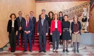 Foto de família dels participants al 5è Diàleg transfronterer a Tolosa.