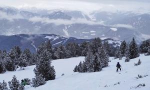 Les pistes d'esquí de Pal amb poca afluència d'esquiadors.