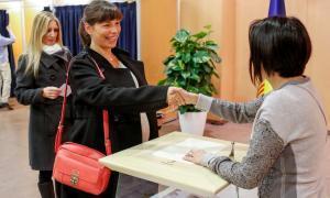 El canvi dels polítics d'un partit a un altre, una causa de l'abstenció