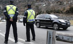 Detingut un resident de 51 anys per agredir la seva parella al mig del carrer