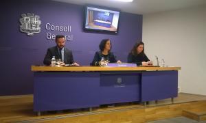 Els consellers generals demòcrates Marc Ballestà, Sofia Garrallà i Maria Martisella en la presentació ahir de la proposició de llei.