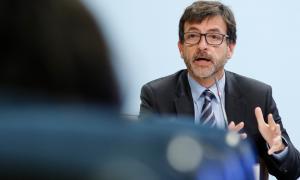 El titular de Finances i ministre portaveu, Jordi Cinca, en el transcurs de la compareixença d'ahir.