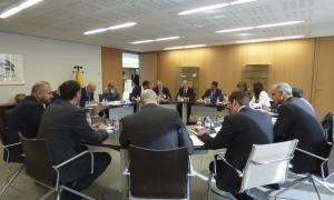 Prudència dels grups en la primera reunió per la reforma competencial