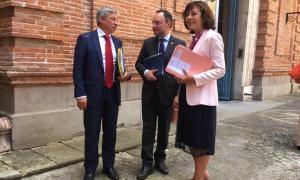 El cap de Govern, Xavier Espot, amb la presidenta, Carole Delga, i el prefecte d'Occitània, Étienne Guyot.