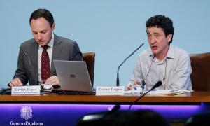Moment de la presentació del Reglament sobre mesures de seguretat respecte a l'amiant.