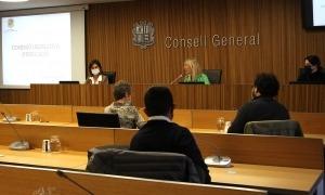 La ministra Vilarrubla va comparèixer ahir davant la comissió legislativa d'Educació, Recerca, Cultura, Joventut i Esports.