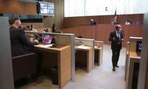 El ministre de Justícia i Interior, Josep Maria Rossell, en la sessió plenària d'ahir.