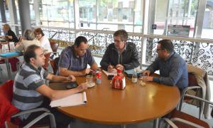 La plataforma de funcionaris exigeix la dimissió del ministre Jordi Alcobé