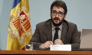 Jover compagina el càrrec de ministre amb l'administració d'una empresa