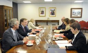 Un moment de la reunió de seguiment del comitè bilateral Fulbright.