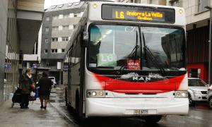 Un autobús de la Cooperativa Interurbana Andorrana.