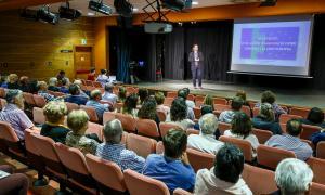 Landry Riba en un moment de la reunió pública sobre l'acord d'associació amb la UE, ahir a Canillo.