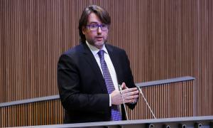 El conseller general d'UL-ILM Carles Naudi d'Areny-Plandolit en una sessió parlamentària.