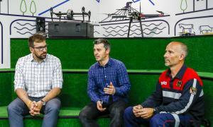 Guillem Santacreu, Marc Pons i Òscar Santos, ahir en la presentació del grup de treball del laboratori de drons.