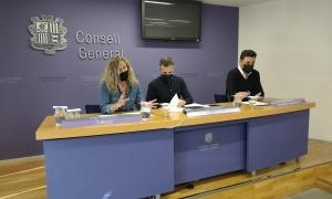Eva López, Joan Carles Ramos i Raül Ferré van presentar ahir la proposició de llei de seguretat privada.