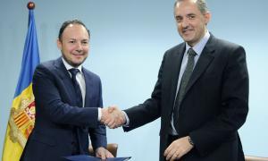 El ministre Xavier Espot i el director del centre penitenciar, Francesc Tarroch, ahir.